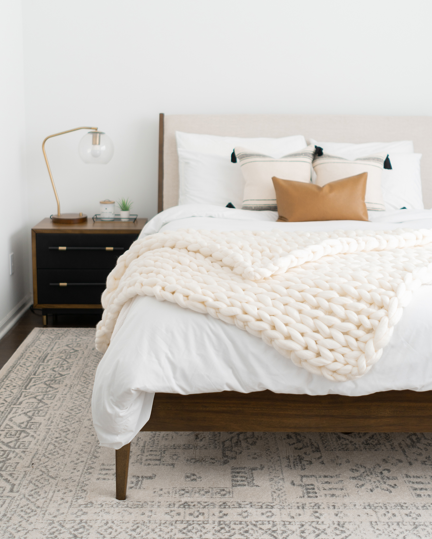 How to Create a Cozy Neutral Bedroom + Sharing Our Master Sources ...